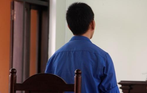 Bị cáo Huỳnh Tấn Hòa tại phiên tòa. Ảnh: Võ Thạnh