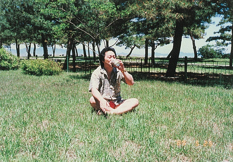 Fujimoto khi còn ở Triều Tiên. Ảnh: Vice.