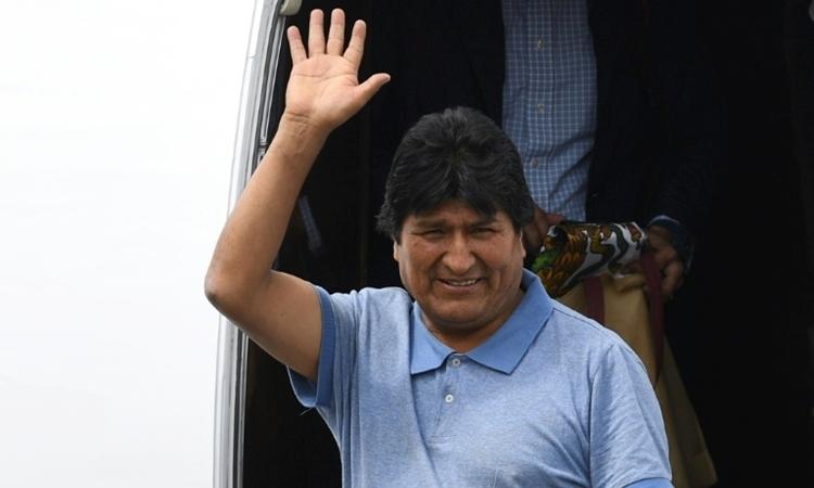 Chuyến bay cứu mạng cựu tổng thống Bolivia - ảnh 1