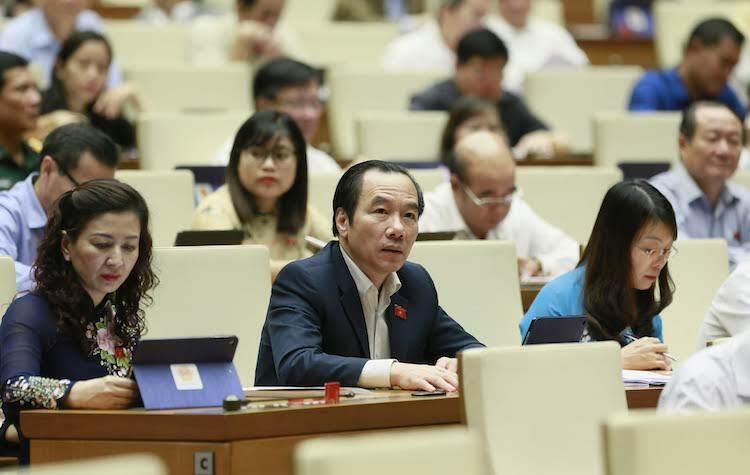 Quốc hội thảo luận việc miễn thị thực cho du khách vào khu kinh tế ven biển - ảnh 1
