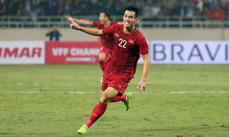 Tiến Linh mừng bàn thắng vào lưới UAE. Ảnh: Đức Đồng.