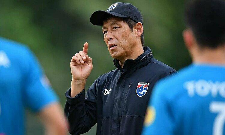 HLV Akira Nishino mang đến cho Thái Lan luồng gió mới. Ảnh: FS.