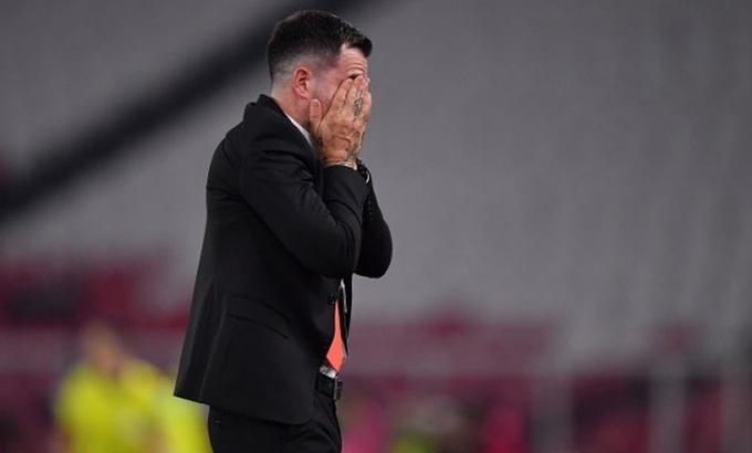 HLV Indonesia không cùng đội tuyển tới Malaysia