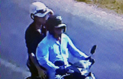 Camera ven đường ghi lại cảnh ông Quyền chở tên cướp đi về xã Tân Thắng. Ảnh: Công ancung cấp