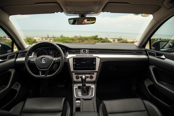 Nội thất Volkswagen Passat.