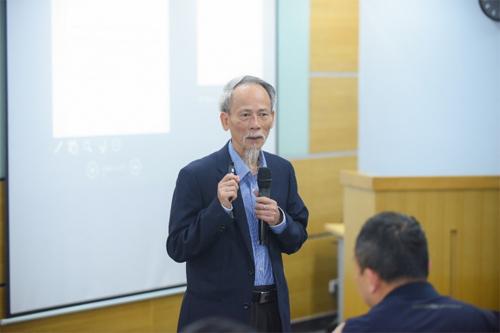 PGS.TS Hồ Sĩ Đàm, chủ biên chương trình môn Tin học 2018.
