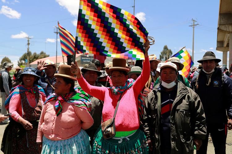 Morales tiếp tục trò chơi quyền lực ở Bolivia - ảnh 1