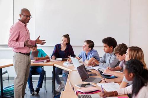 Nhóm ngành STEM yêu cầu rất nhiều giờ tự học bên cạnh thời gian lên lớp.