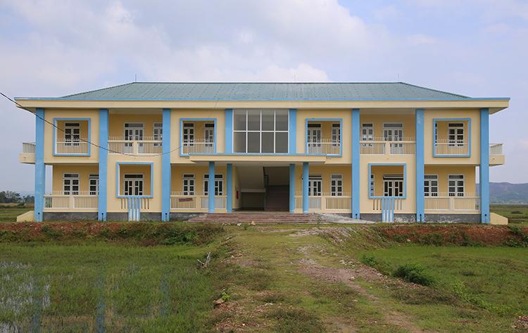 Trường Mần non Sơn Trà bỏ hoang gần một năm nay. Ảnh: Đức Hùng