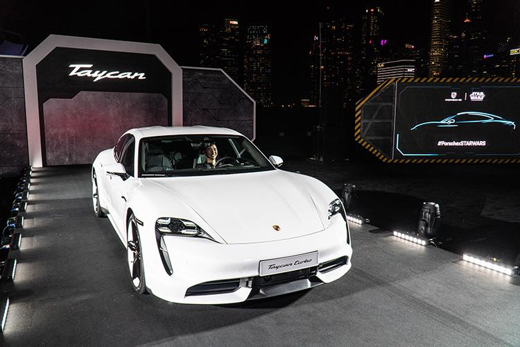 Porsche Taycan ra mat Dong Nam A chuan bi ve Viet Nam