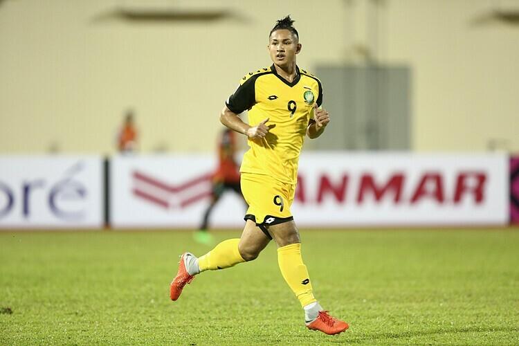 Faiq được coi là cầu thủ giàu nhất thế giới, khi là cháu ruột của vua Brunei. Ảnh: AFF.