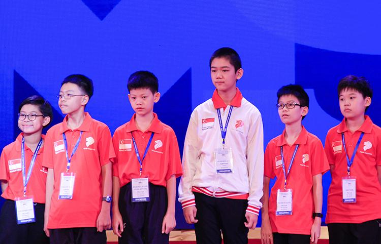 Đoàn học sinh đến từ Singapore. Ảnh: D.T