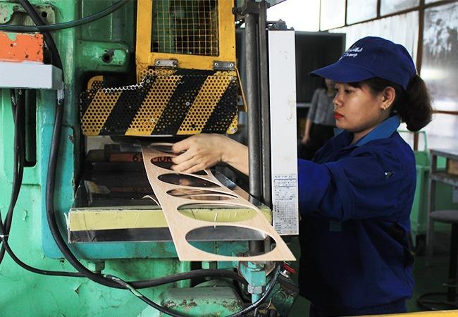 Công nhân trong một nhà máy có vốn FDI tại Hải Phòng. Ảnh: Anh Duy.
