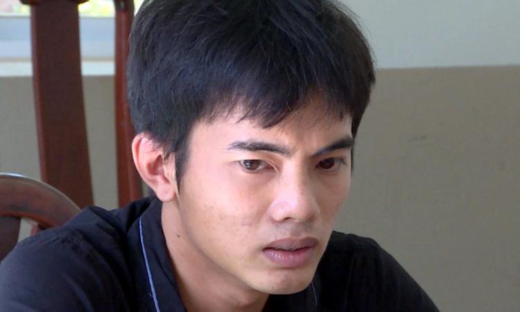 Sang tại cơ quan công an. Ảnh: Quang Bình.