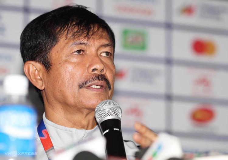 HLV Indra Sjafri không thừa nhận Việt Nam mạnh hơn Indonesia sau trận thua 1-2 tối 1/12. Ảnh: Đức Đồng