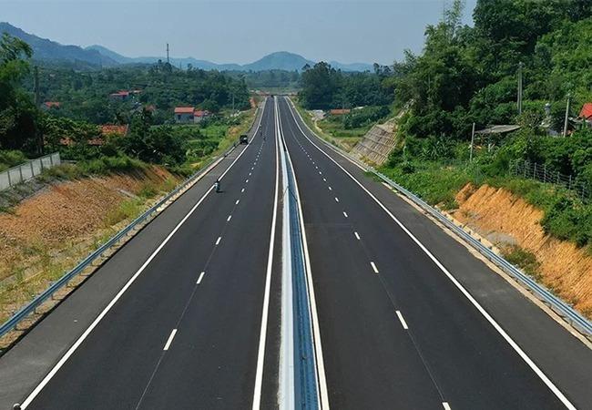Cao tốc Bắc Giang - Lạng Sơn trước ngày thông xe. Ảnh: Bá Đô.