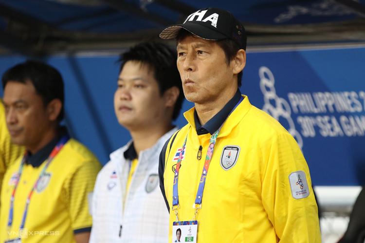 HLV Akira Nishino đã hai lần đối đầu HLV Park Hang-seo của Việt Nam và đều hoà 0-0.