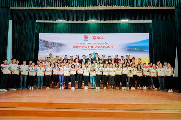 Lễ Trao học bổng SCG Sharing The Dream 2019 tại tỉnh Thái Bình vừa qua. Ngoài ra, chương trình còn trao đến 7 tỉnh, thành phố khác trên cả nước.