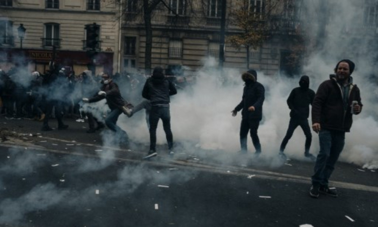 Pháp hỗn loạn vì đình công - ảnh 1