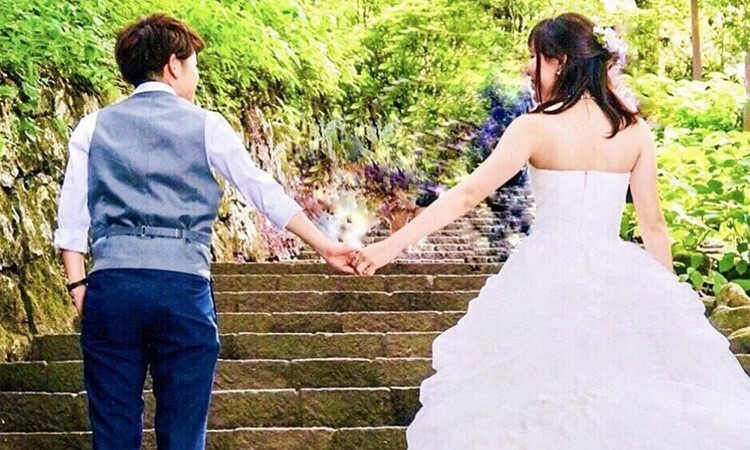 Ảnh cưới của một cặp đồng tính ở Nhật Bản. Ảnh: SCMP.