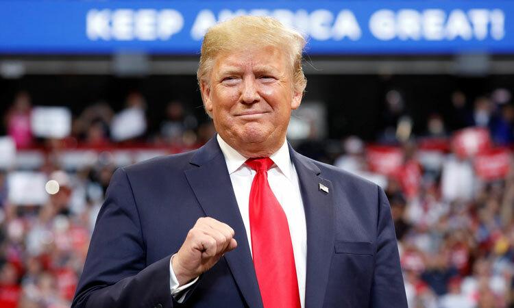Trump tung vũ khí kinh tế đối phó bão luận tội - ảnh 1