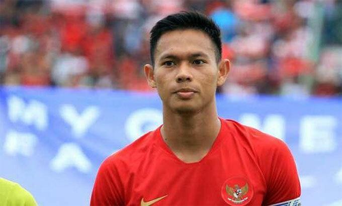 Setyo là hòn đá tảng của hàng thủ Indonesia. Ảnh: Bolaskor