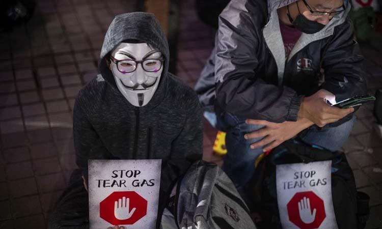 Tòa Hong Kong gỡ lệnh cấm người biểu tình đeo khẩu trang - ảnh 1