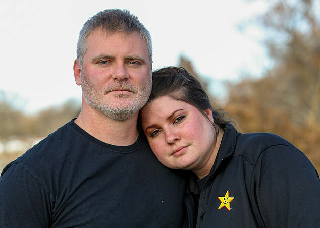 Con gái kiện mẹ vì bị ngăn ra ở riêng - ảnh 1