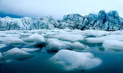 Cảnh tượng băng tan ở phía tây Greenland. Ảnh: ABC News.