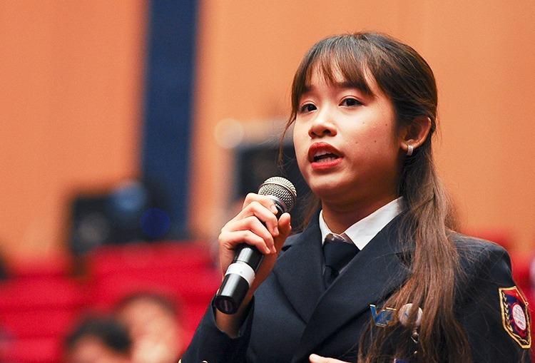 Thanh niên đối thoại với lãnh đạo các bộ