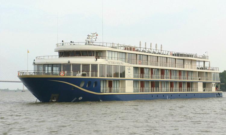 Du thuyền Victoria Mekong đậu trên sông Hậu tại Cần Thơ. Ảnh: Phạm Trung.