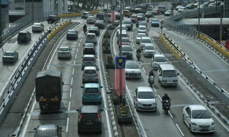 Cảnh sát giảm tiền phạt vi phạm giao thông dịp Giáng sinh - ảnh 1