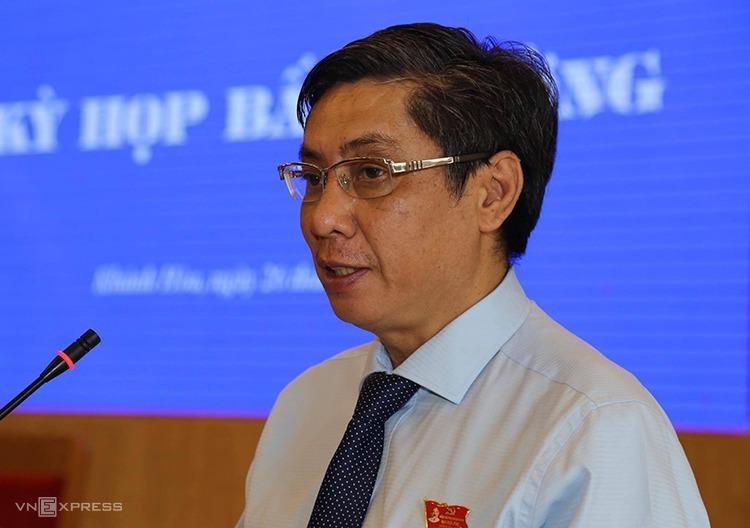 Ông Lê Đức Vinh - chủ tịch UBND Khánh Hoà tại kỳ họp bất thường HĐND hôm 25/10. Ảnh: Xuân Ngọc.