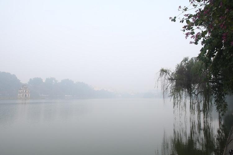 Sương mù ở miền Bắc duy trì đến giũa tuần sau. Ảnh: Gia Chính