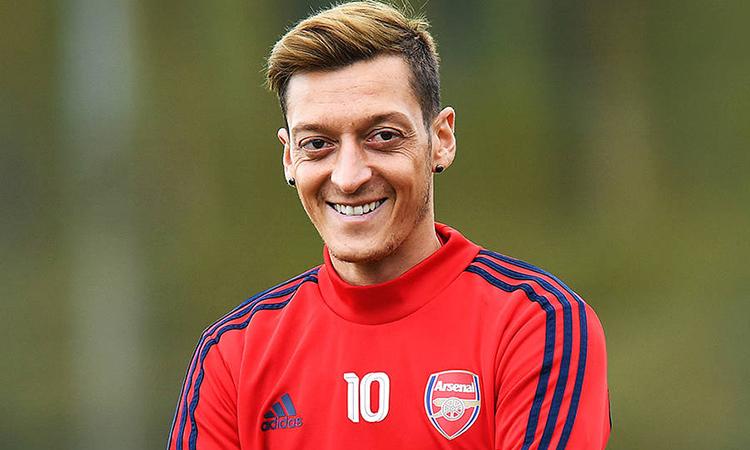 Báo Trung Quốc chỉ trích cầu thủ Arsenal - ảnh 1