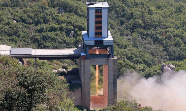 Động cơ ICBM thử nghiệm tại Sohae hồi năm 2017. Ảnh: KCNA.