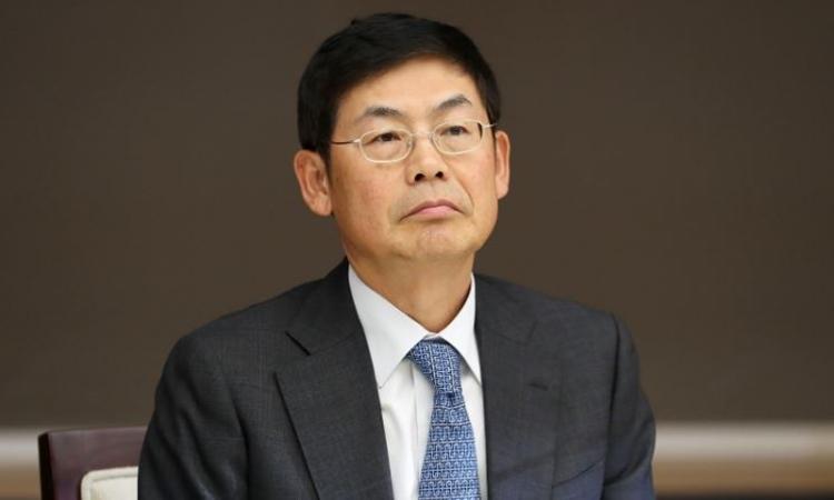 Chủ tịch Samsung Electronics lĩnh án tù 1,5 năm