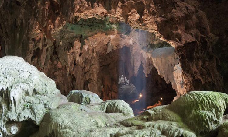 Hang Callao, nơi các nhà khoa học phát hiện xương và răng người Homo luzonensis. Ảnh: Business Insider.