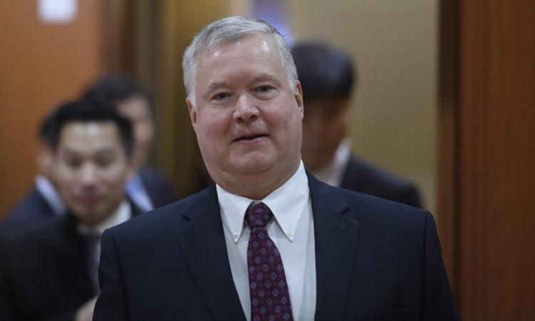 Đặc phái viên Mỹ về Triều Tiên Stephen Biegun đến cuộc họp với Thứ trưởng Ngoại giao Hàn Quốc ở Seoul hôm 16/12. Ảnh: AFP.