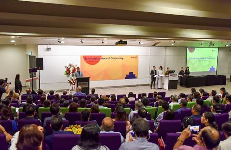 RMIT Việt Nam dành 64 suất học bổng cho các chương trình cử nhân trong năm 2020.