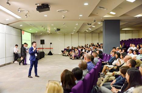 RMIT tổ chức nhiều sự kiện hàng năm để trao đổi thông tin về các ngành học và cơ hội học bổng.