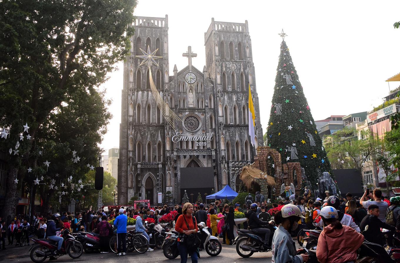 Nhà thờ Lớn trang hoàng đón Giáng sinh