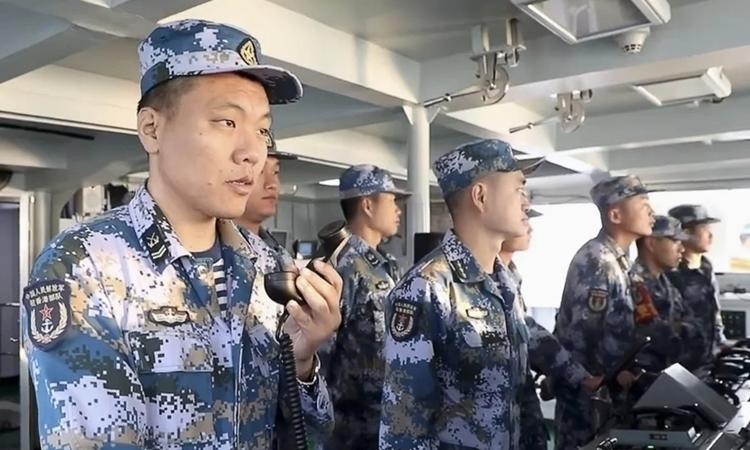 Lính Trung Quốc trong cuộc tập trận ở Biển Đông. Ảnh: CCTV.