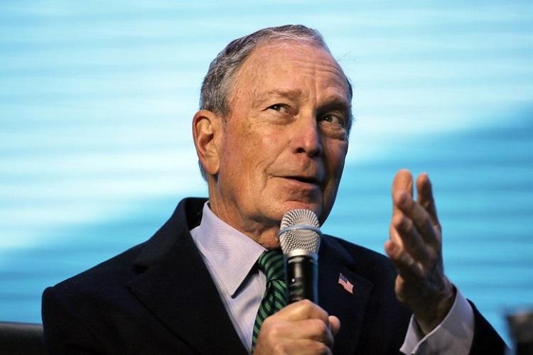 Tỷ phú Bloomberg phát biểu tại Hội nghị Địa Vật lý ở San Francisco hôm 11/12. Ảnh: AP.