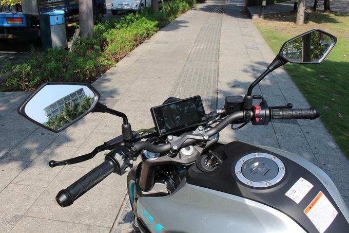 CFMoto 250NK - môtô Trung Quốc giá 115 triệu về Việt Nam