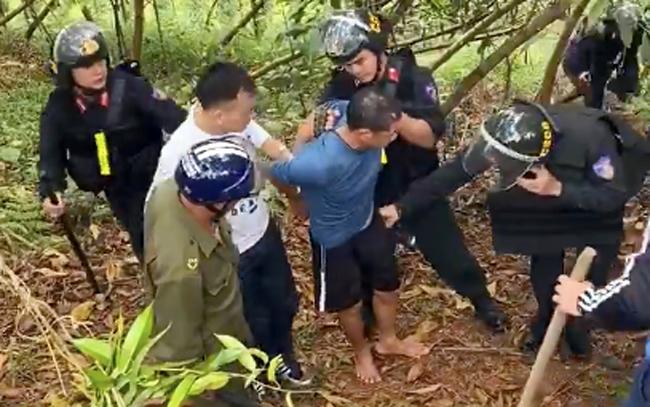 Nghi phạm Chín khi bị bắt: Ảnh: Thiên Quang