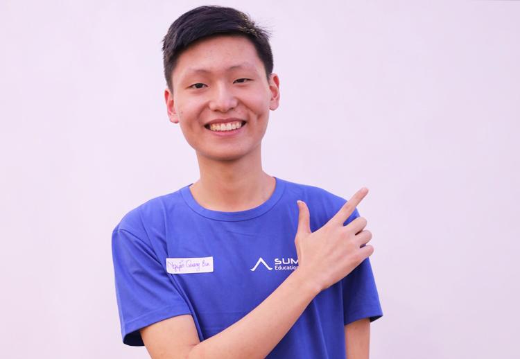 Nguyễn Quang Bin vừa giành học bổng của Đại học Chicago, Mỹ. Ảnh: Tổ chức giáo dục Summit.