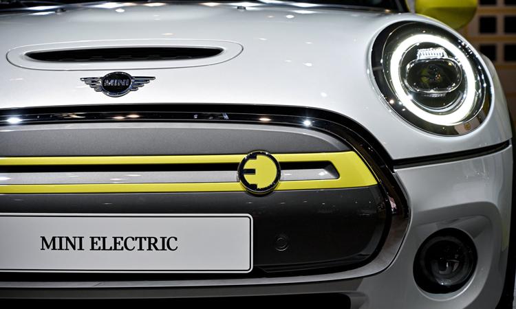 Một mẫu xe điện của Mini. Ảnh: EPA