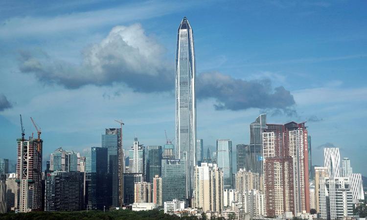 Các tòa nhà cao tầng tại Thâm Quyến, Trung Quốc hồi năm 2018. Ảnh: Reuters.