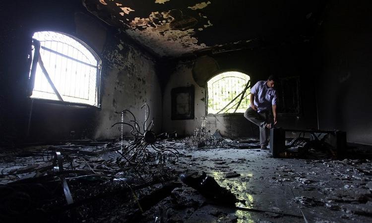 Khu nhà lãnh sự bị phá hủy hoàn toàn sau cuộc tấn công. Ảnh: Reuters.